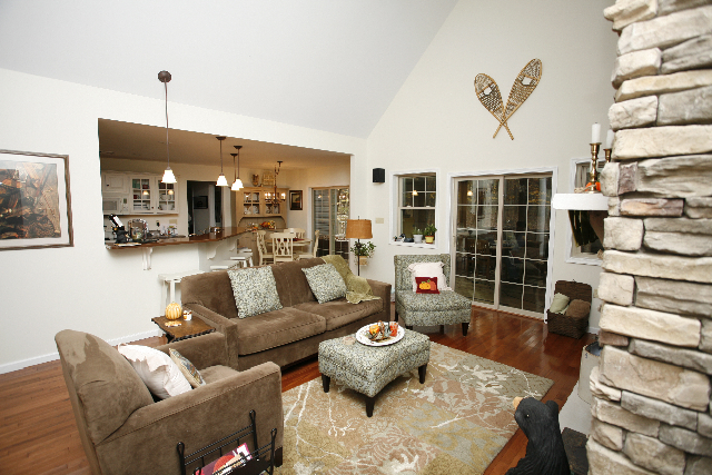 Mountain Style Living Room in the Poconos
