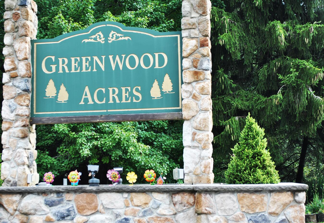 Living in Greenwood Acres