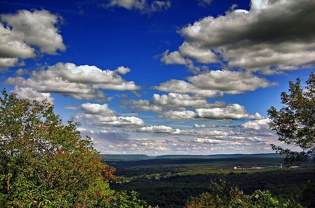 View_from_MountPocono_Knob_Lookout-1.jpg